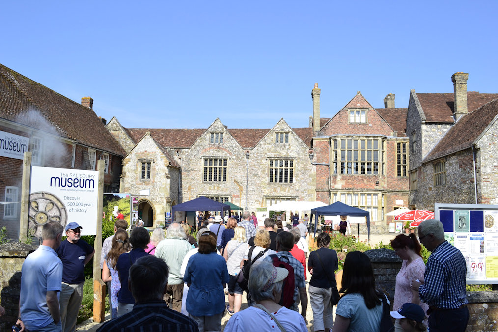 salisbury-festival-archaeology-hideaways-holiday-cottages.jpg