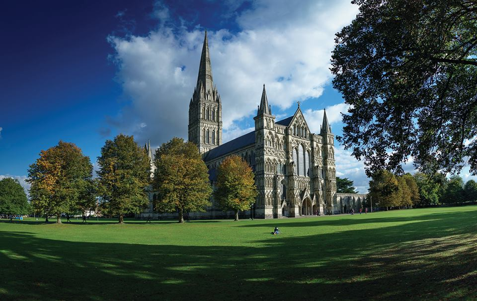 hideaways-holiday-cottages-salisbury-salisbury-cathedral.jpg