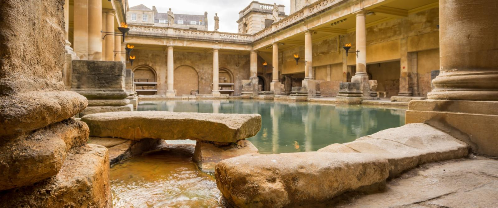 holiday-cottage-hideaways-somerset-bath-roman-baths.jpg