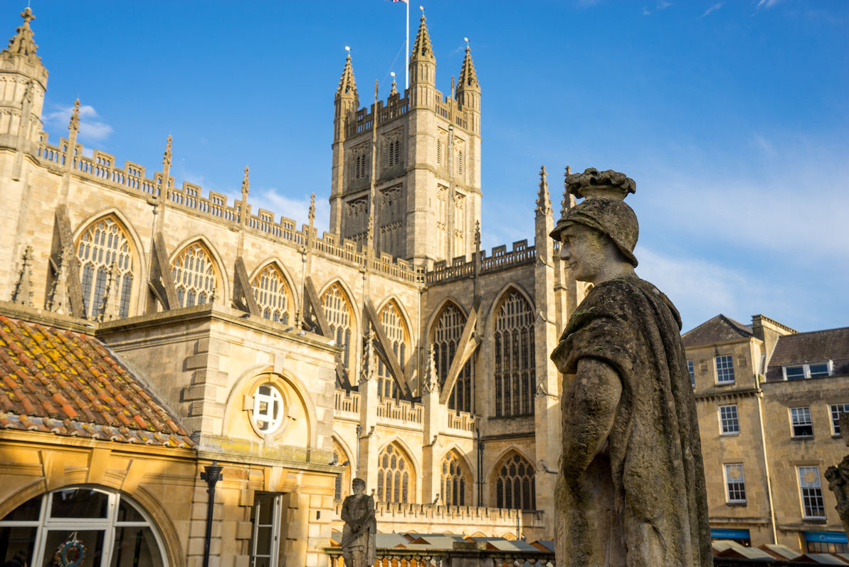 holiday-cottage-hideaways-somerset-bath-abbey.jpg