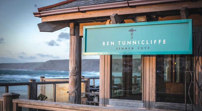 romantic-holiday-cottages-hideaways-cornwall-ben-tunnicliffe-sennen.jpg