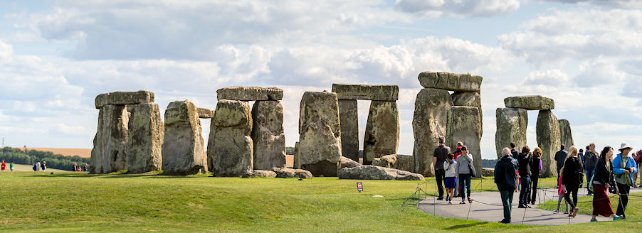 places-dogs-wiltshire-hideaways-holiday-cottages-stonehenge.jpg