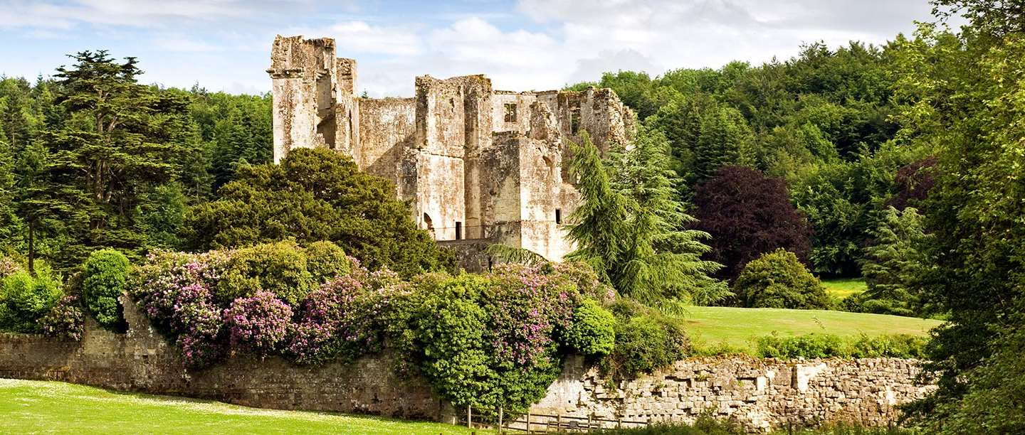 wiltshire-families-hideaways-holiday-cottages-wardour-castle.jpg