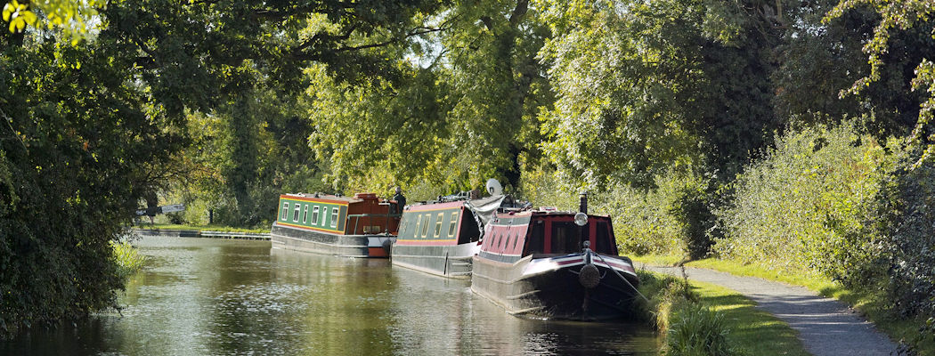 holiday-cottage-hideaways-somerset-bath-canal-river.jpg