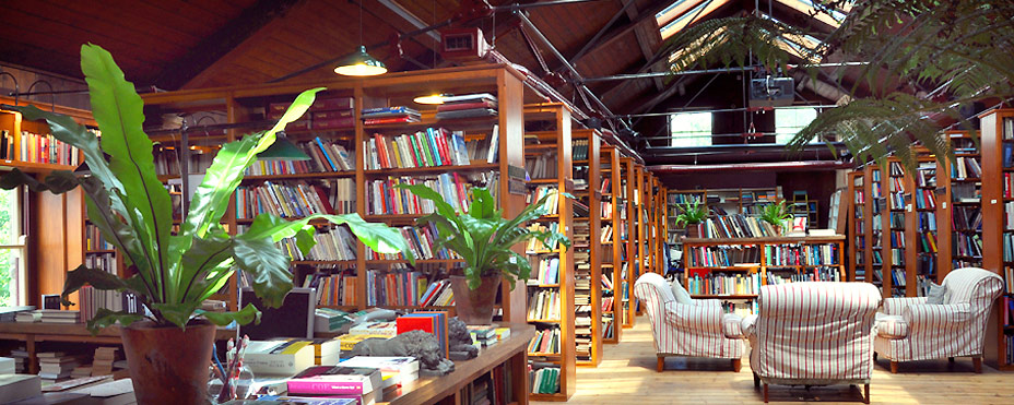 hideaways-holiday-cottages-hay-on-wye-booth-books.jpg