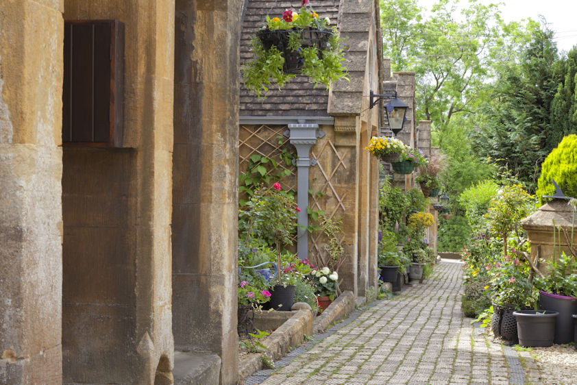 summer-south-england-hideaways-holiday-cottages-cotswolds.jpg