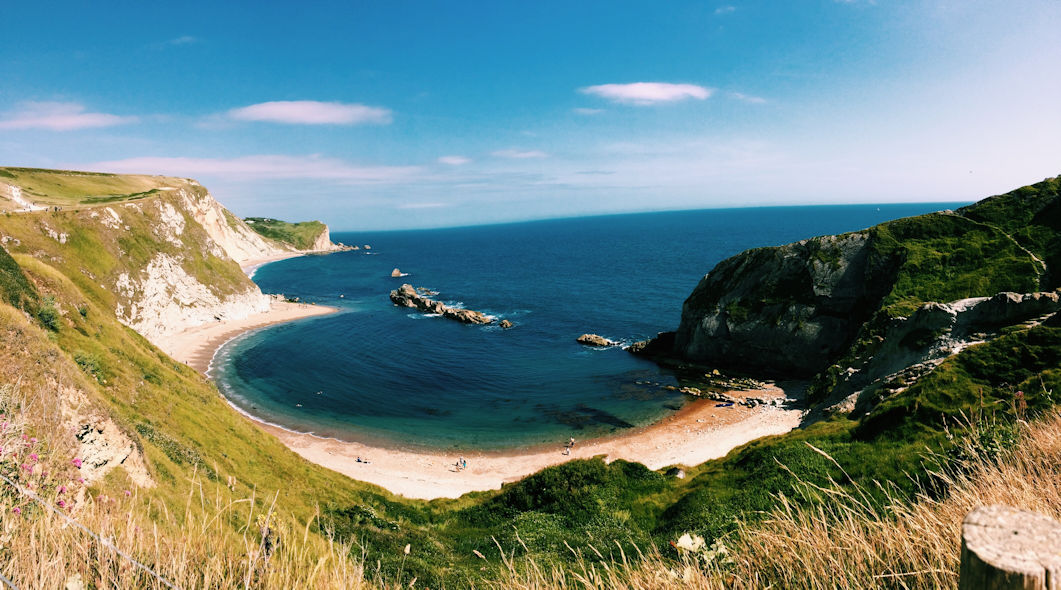 lulworth-cove-dorset-hideaways-holiday-cottages-2.jpg
