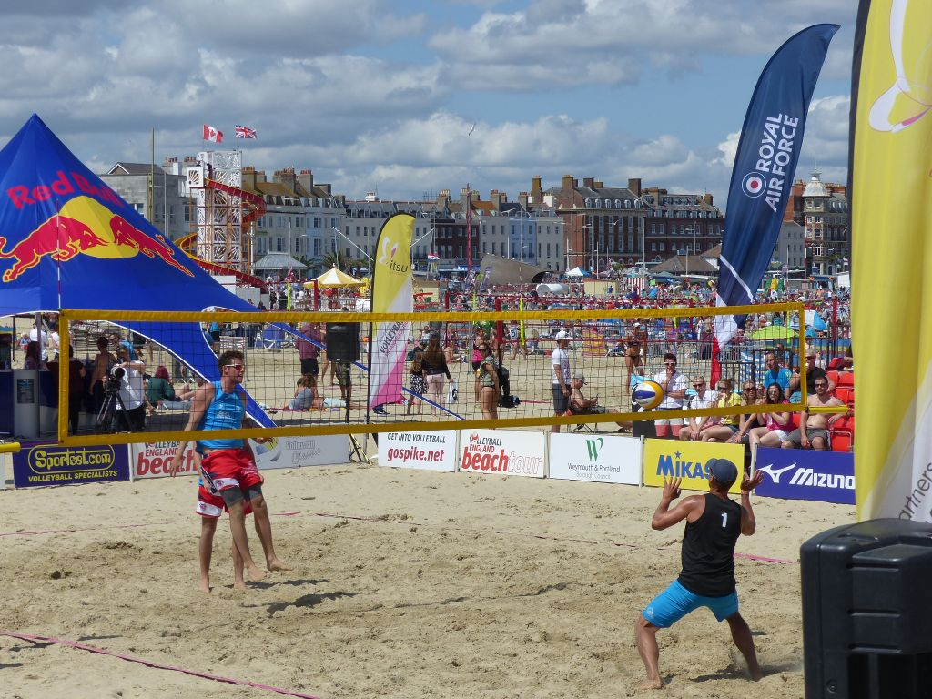 beach-volley-weymouth-hideaways-holiday-cottages.jpg